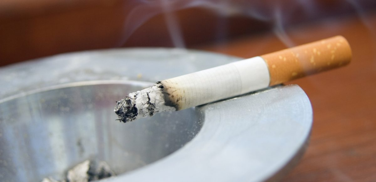 What Absorbs Cigarette Smoke: Ways to Get Rid of It Indoors